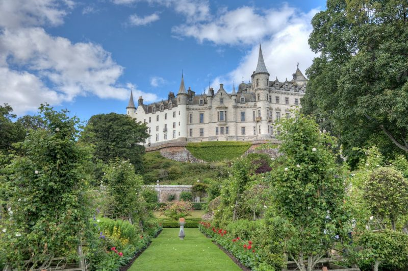 hdr-enhanced-view-of-dunrobin-castle-sutherland-scotland-min