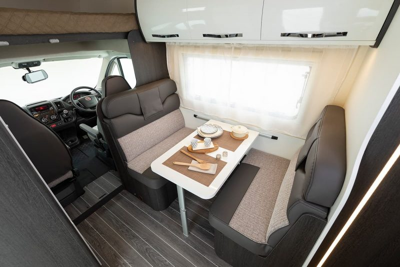 motorhome seating and table